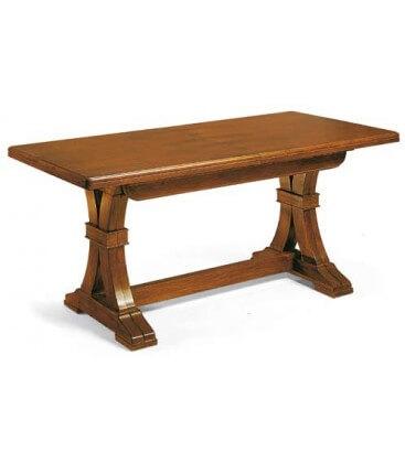 Tavolo in legno in stile classico allungabile