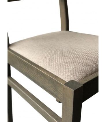 Sedia in legno massello seduta imbottita