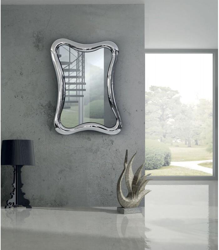Specchio con cornice ondulata in vetro for Specchio cornice argento