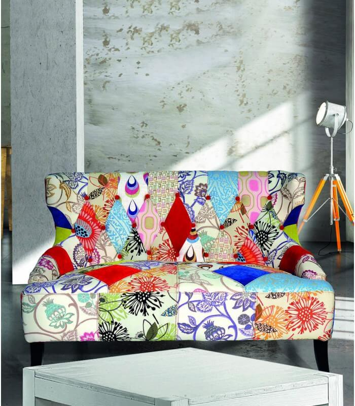 Divanetto Imbottito Design.Divano Colorato In Patchwork Spazio Casa