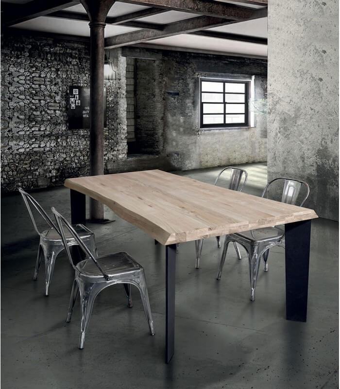 Tavolo moderno industry in legno massello - Spazio Casa
