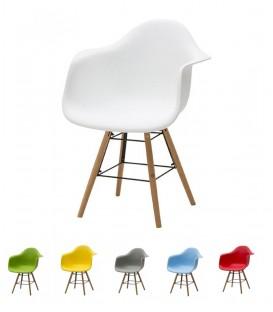 Sedia poltroncina con gambe in legno