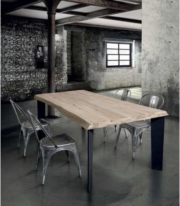 Tavolo moderno industry in legno massello