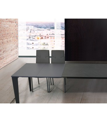 Tavolo in vetro grigio allungabile moderno