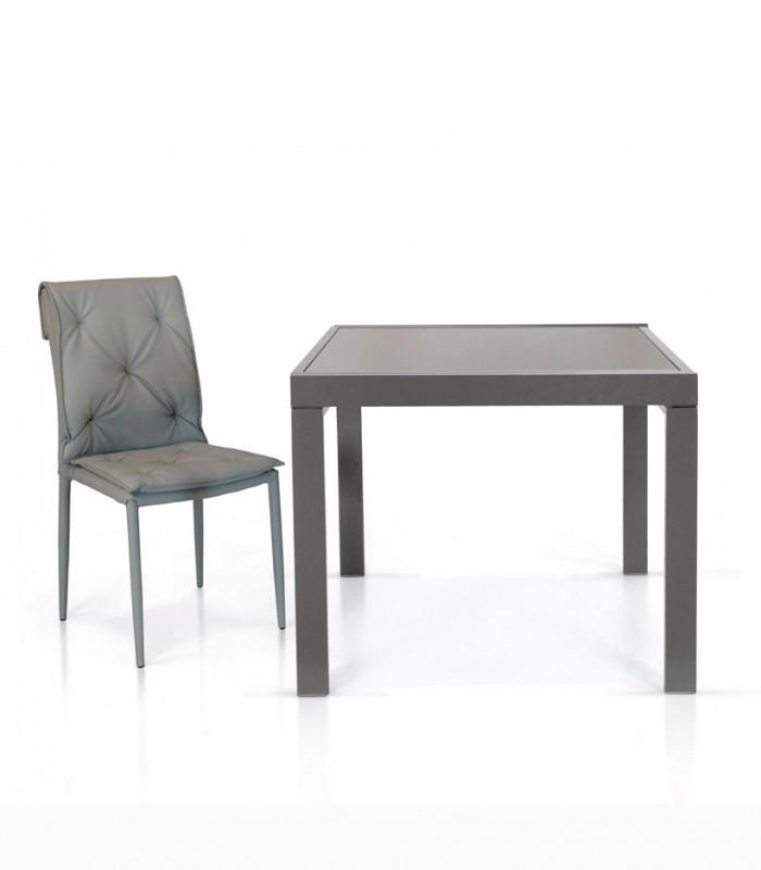 Tavolo Quadrato Allungabile Con Piano In Vetro E Base In Metallo