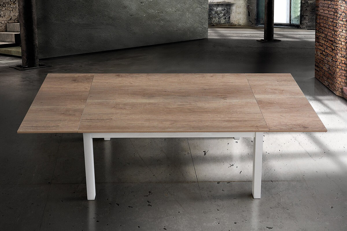 Tavolo rettangolare bicolore con allunghe aperto