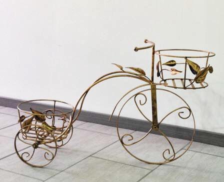 Bicicletta porta vaso a due posti in ferro battuto