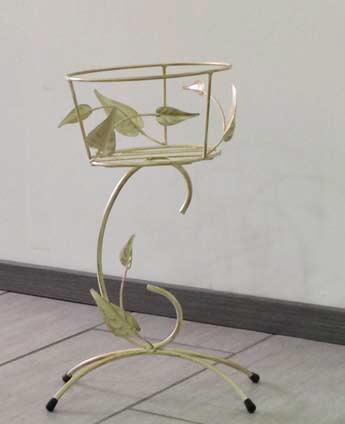 Porta vaso elegante da terra in ferro battuto
